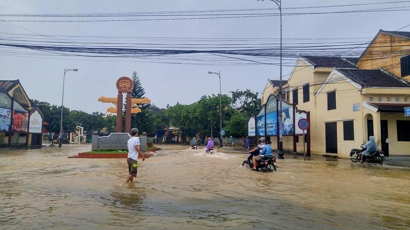 Quảng Nam: Thêm 1 người chết, 1.164 nhà bị ngập nước - ảnh 1