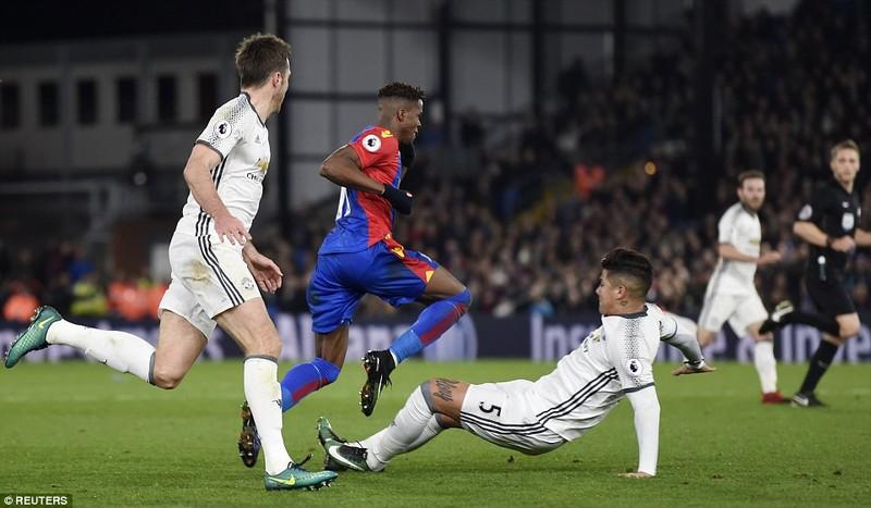 Pogba, Ibra giúp MU thắng nhọc Crystal Palace - ảnh 1