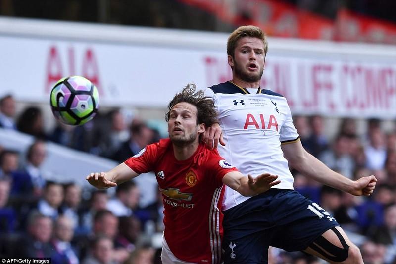 MU 'đầu hàng' top 4, Tottenham chia tay ngọt ngào - ảnh 1