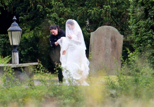 Gạt mùa giải thất bại, sao MU làm lễ cưới - ảnh 13
