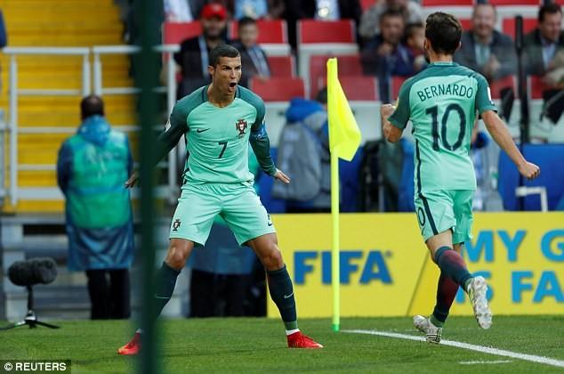 Nụ hôn của Ronaldo làm tan chảy triệu trái tim - ảnh 6
