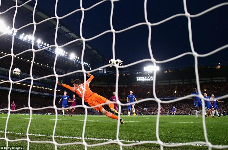 Phòng ngự tiêu cực, Chelsea thua Man. City vì người cũ - ảnh 3