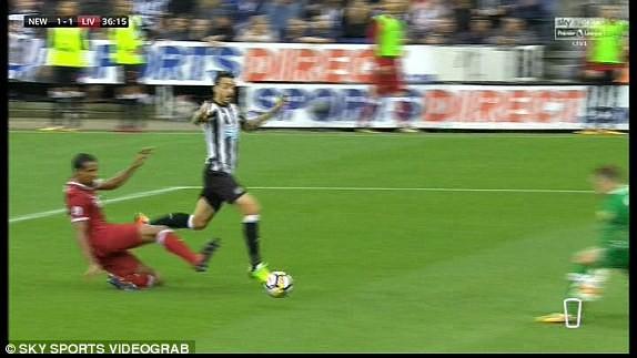 Coutinho lập siêu phẩm, Liverpool vẫn không thắng - ảnh 4