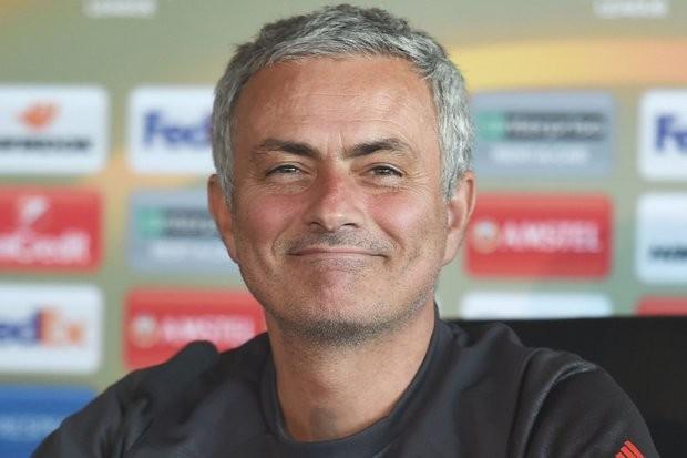 Mourinho biết làm gì để vô địch, còn Kloop thì không - ảnh 1