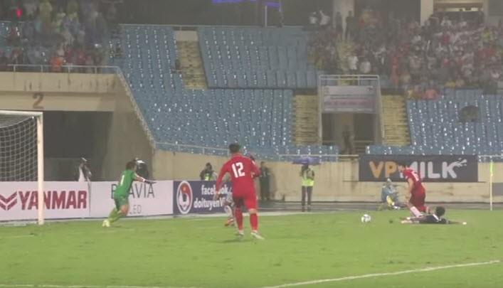 Việt Nam 5-0 Campuchia: Bất ngờ hàng công! - ảnh 10