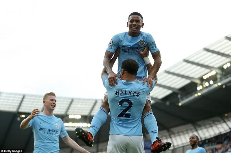 Man City hủy diệt Stoke, Chelsea thua sốc đội cuối bảng - ảnh 3