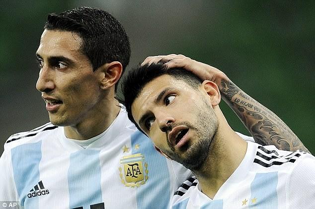 Sao Man. City bất ngờ ngất xỉu giữa trận đấu - ảnh 2