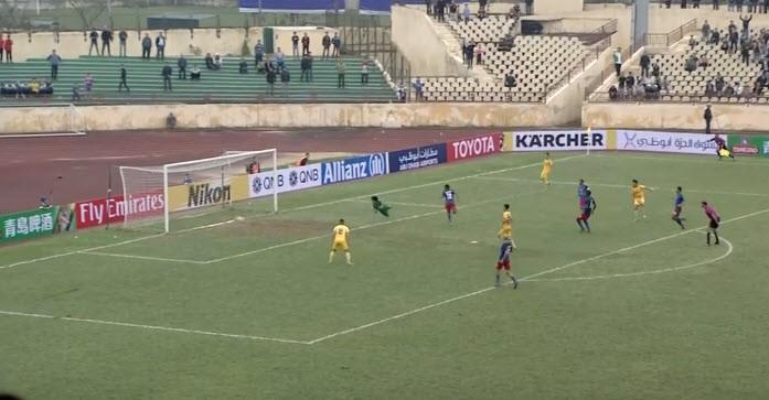 Sao U-23 VN tỏa sáng, SLNA hạ gục nhà vô địch Malaysia - ảnh 3