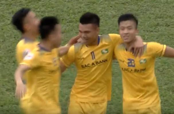 Sao U-23 VN tỏa sáng, SLNA hạ gục nhà vô địch Malaysia - ảnh 4