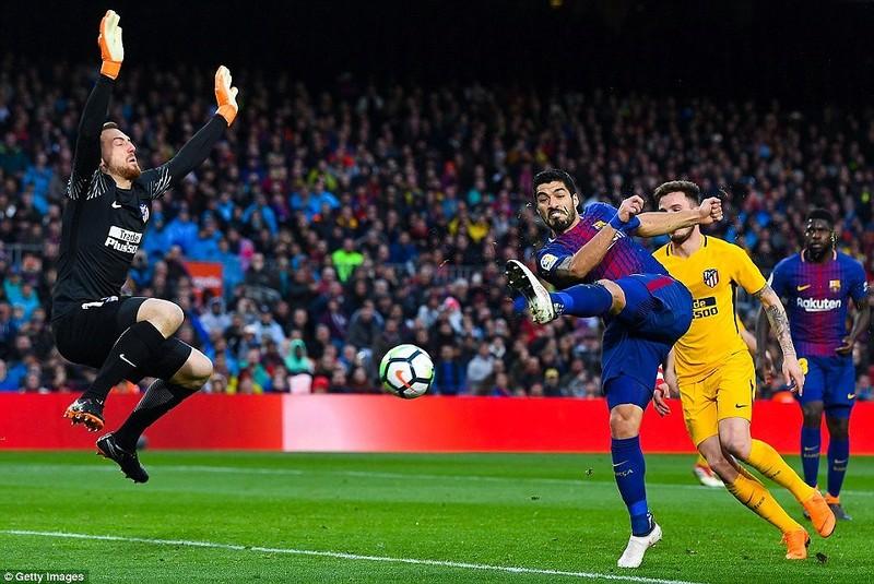 Messi ra chân thiên tài, Barcelona tiến gần ngôi vương - ảnh 5