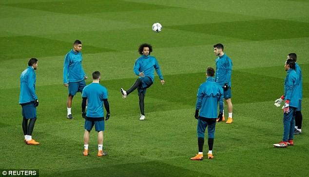 Real Madrid tập kín trước trận đấu của cả mùa giải - ảnh 10