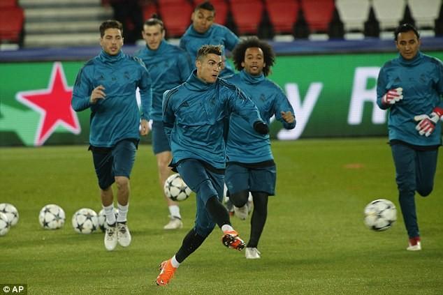 Real Madrid tập kín trước trận đấu của cả mùa giải - ảnh 4