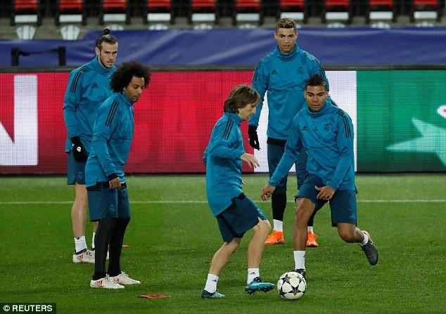 Real Madrid tập kín trước trận đấu của cả mùa giải - ảnh 5
