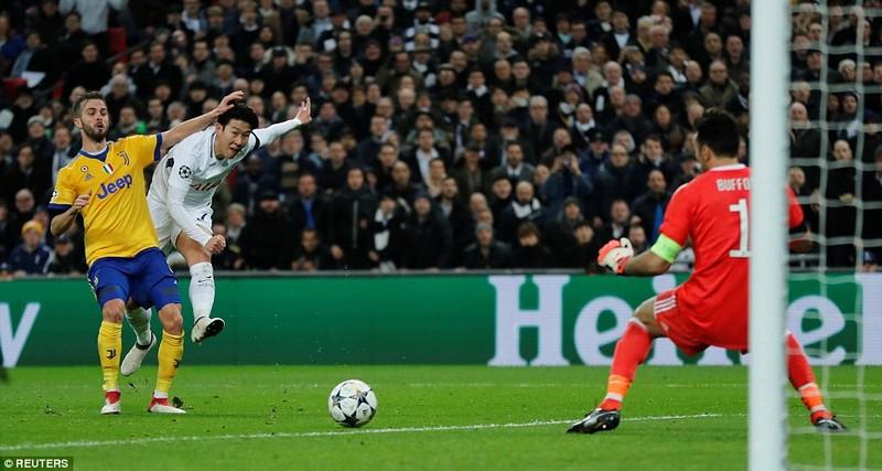 Ngược dòng 3 phút hạ Tottenham, Juve theo chân Man City - ảnh 2