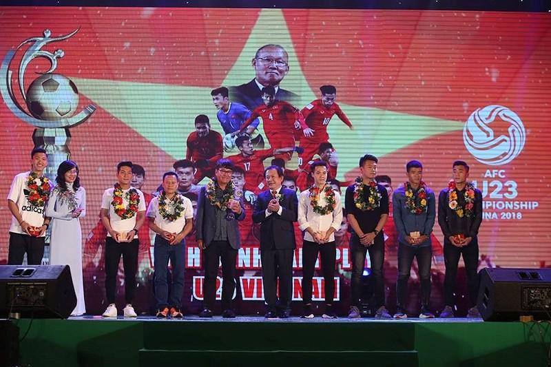 Văn Toàn giành cú đúp giải thưởng Fair Play 2017 - ảnh 9