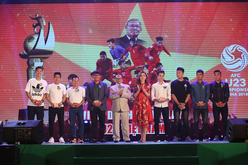 Văn Toàn giành cú đúp giải thưởng Fair Play 2017 - ảnh 8