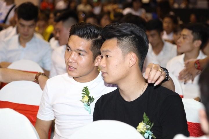 Văn Toàn giành cú đúp giải thưởng Fair Play 2017 - ảnh 24