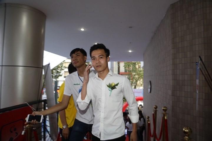 Văn Toàn giành cú đúp giải thưởng Fair Play 2017 - ảnh 32