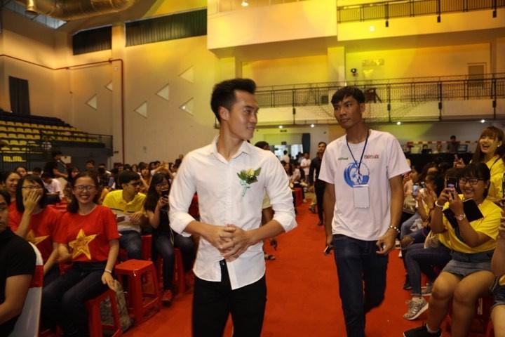 Văn Toàn giành cú đúp giải thưởng Fair Play 2017 - ảnh 33
