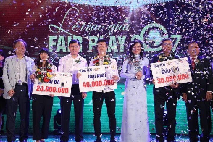 Văn Toàn giành cú đúp giải thưởng Fair Play 2017 - ảnh 3