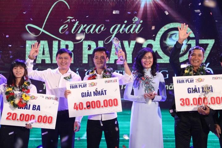 Văn Toàn giành cú đúp giải thưởng Fair Play 2017 - ảnh 4