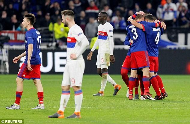 Atletico, Arsenal 'hủy diệt' đối thủ, Dortmund bị loại - ảnh 2