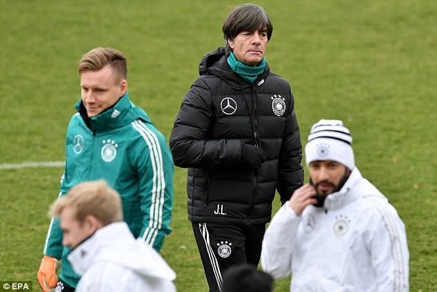 Neuer có kịp 'chuyến tàu' đến World Cup cùng tuyển Đức? - ảnh 1
