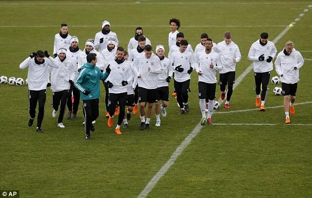 Neuer có kịp 'chuyến tàu' đến World Cup cùng tuyển Đức? - ảnh 3