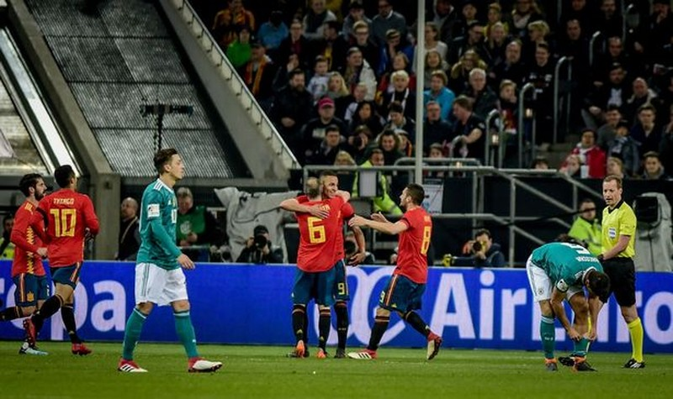 Lộ mức thưởng 'khủng' nếu Tây Ban Nha vô địch World Cup - ảnh 2