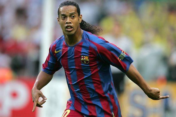 MU đã ở rất gần Ronaldinho như thế nào? - ảnh 2