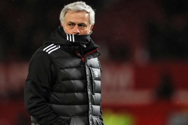 Mourinho gọi điện thoại rủ rê sao Barcelona đến MU - ảnh 2