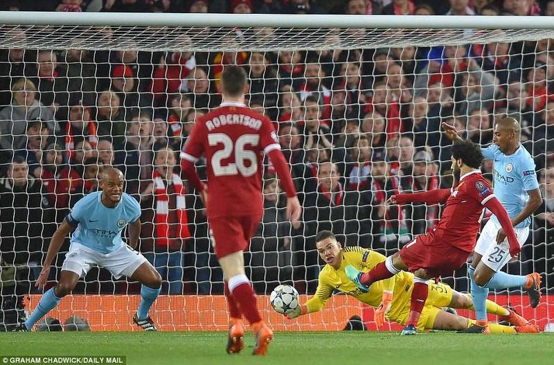 Liverpool đè bẹp Man. City, Guardiola ôm đầu ngao ngán - ảnh 3