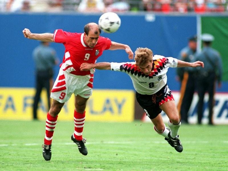 Ký ức World Cup:Cái đầu hói của Letchkov và sự trả giá của Đức - ảnh 3