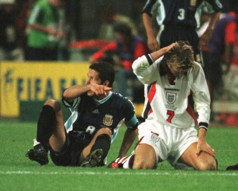 Ký ức World Cup: Cú ngáng chân định mệnh giết chết thế hệ vàng - ảnh 4