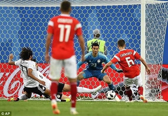 Salah ghi bàn nhờ VAR, Ai Cập vẫn thua thảm chủ nhà Nga - ảnh 3