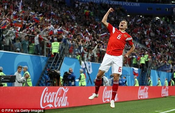 Salah ghi bàn nhờ VAR, Ai Cập vẫn thua thảm chủ nhà Nga - ảnh 1