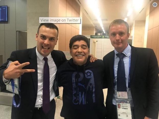 Maradona: Bác sĩ khuyên tôi ra về nhưng làm sao tôi có thể đi - ảnh 4