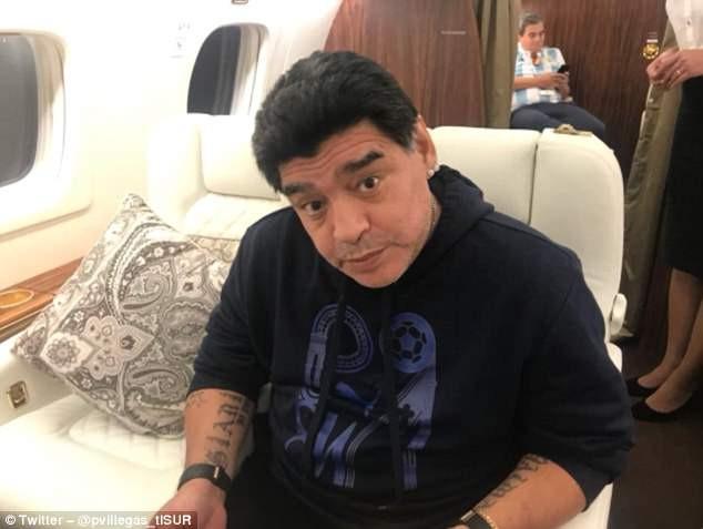 Maradona: Bác sĩ khuyên tôi ra về nhưng làm sao tôi có thể đi - ảnh 3
