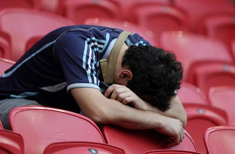Fan khóc hết nước mắt vì Argentina và Messi chia tay World Cup - ảnh 11