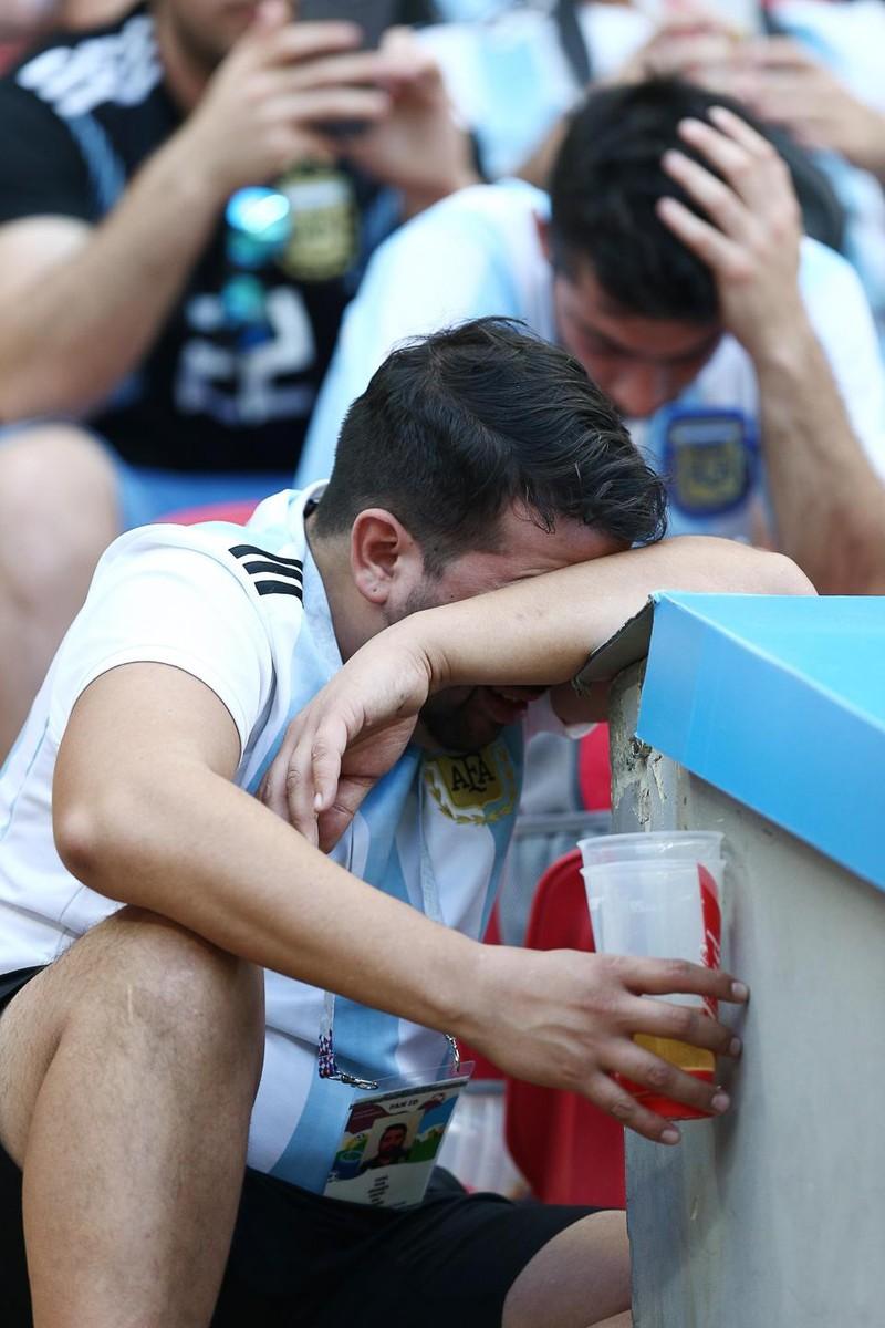 Fan khóc hết nước mắt vì Argentina và Messi chia tay World Cup - ảnh 4