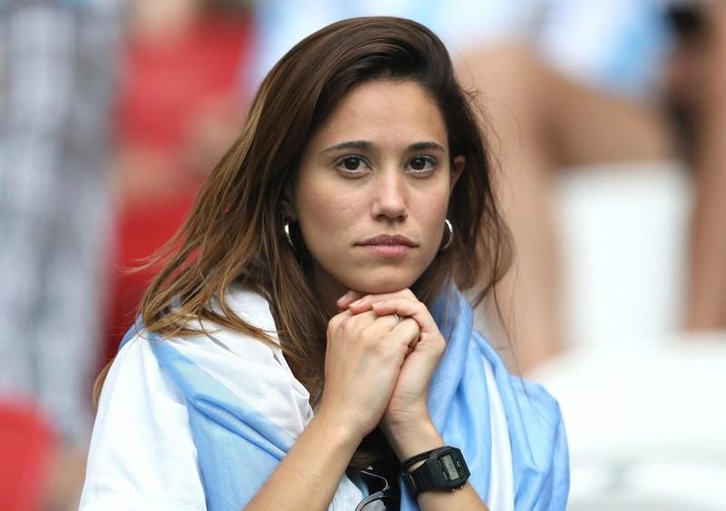 Fan khóc hết nước mắt vì Argentina và Messi chia tay World Cup - ảnh 5