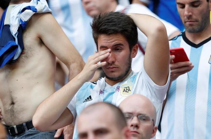 Fan khóc hết nước mắt vì Argentina và Messi chia tay World Cup - ảnh 8