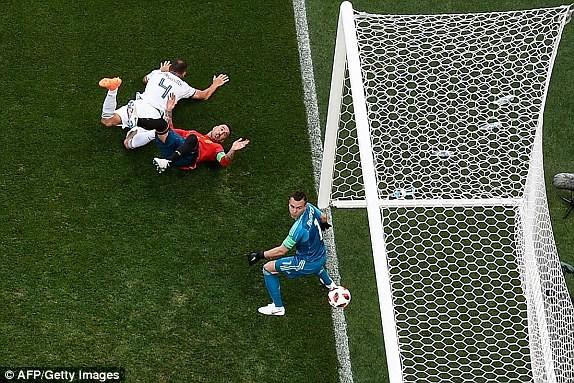 Nga tử thủ chờ penalty, Ramos khóc hận vì Akinfeev - ảnh 5