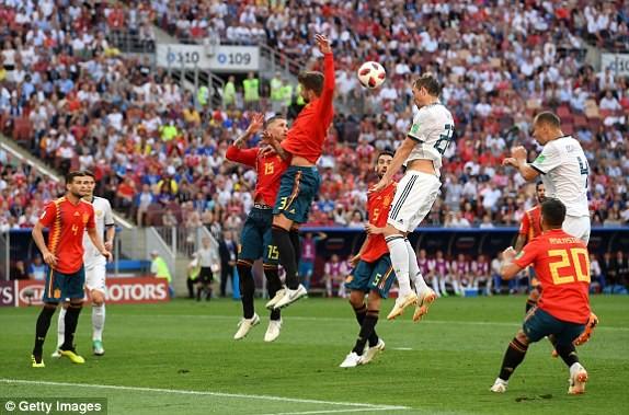 Nga tử thủ chờ penalty, Ramos khóc hận vì Akinfeev - ảnh 7