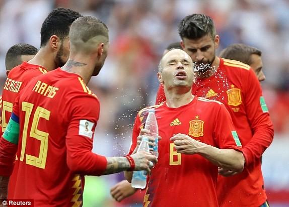 Nga tử thủ chờ penalty, Ramos khóc hận vì Akinfeev - ảnh 13