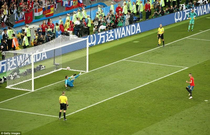 Nga tử thủ chờ penalty, Ramos khóc hận vì Akinfeev - ảnh 15