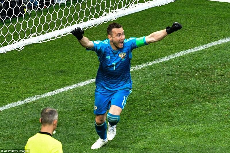 Nga tử thủ chờ penalty, Ramos khóc hận vì Akinfeev - ảnh 16