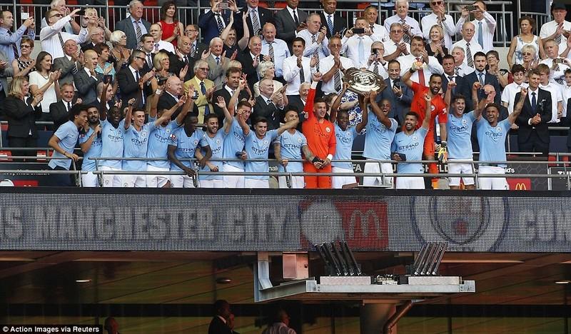 Aguero 'lên đồng', Man City hạ Chelsea vô địch siêu cúp Anh - ảnh 6