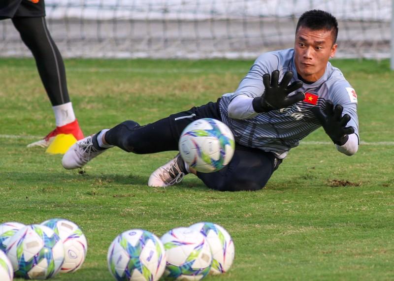 U-23 Việt Nam tập luyện hăng say chờ tái đấu U-23 Uzbekistan - ảnh 10