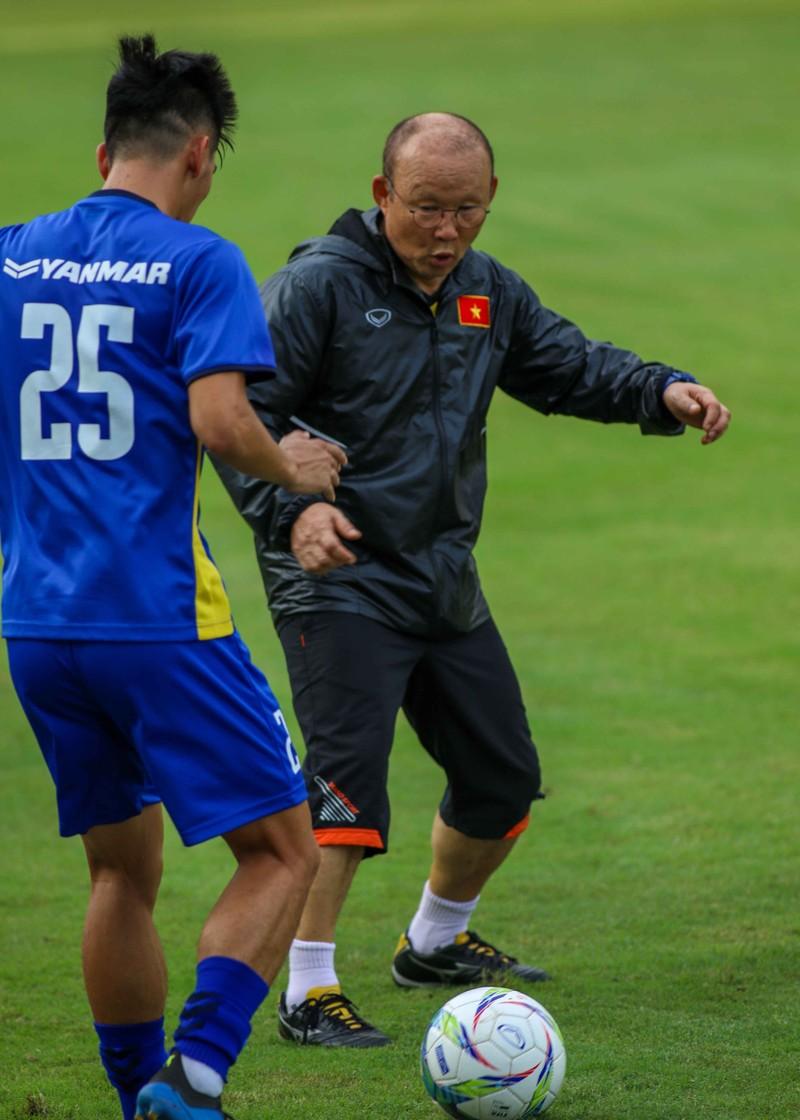 U-23 Việt Nam tập luyện hăng say chờ tái đấu U-23 Uzbekistan - ảnh 2